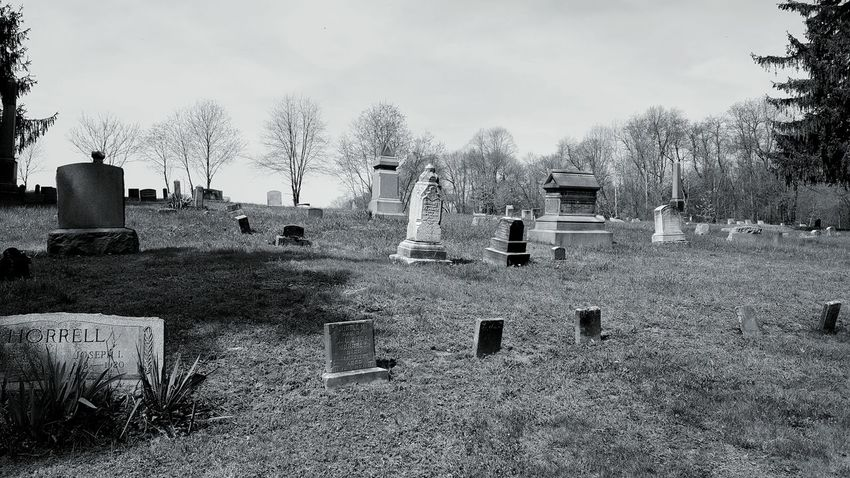 WPT Creepy Discovery Discovering Old Cemetery On A Hill Old Cemetery Old Abandoned Cemetery Abandoned Places Abandoned Headstones Livermore Cemetery Livermore Black & White Black And White Pennsylvania WPT Trail Biking Outdoors Landscape Cemetery