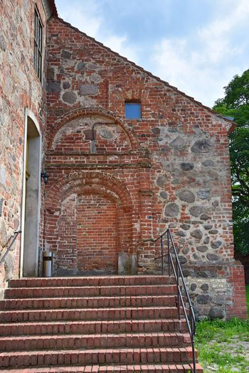 Festes Haus Arch Architecture Badingen (Gransee, Zehdenick) Brick Building Brick Wall Building Exterior Built Structure Day Fame History Low Angle View No People Outdoors Red Sky So Called Solid House Staircase Steps Steps And Staircases