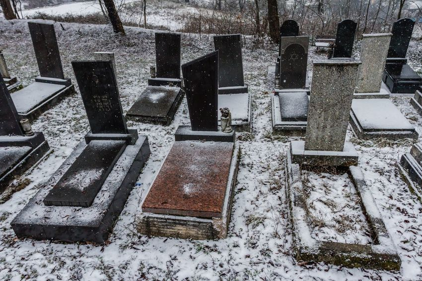 Cemetery Cemetery Photography Grief Memorial Spirituality Winter Cemetary Cold Temperature Day Graves Gravestone Gravestones Graveyard High Angle View History Jewish Cemetary Jewish Cemetery No People Sadness Snow Snowing The Past Tombstones Weather Winter