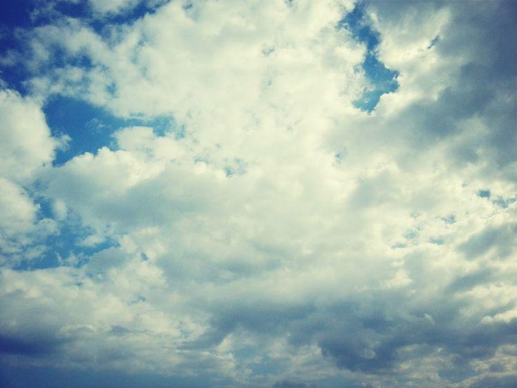 空は快晴よりも少し雲がある方が好き