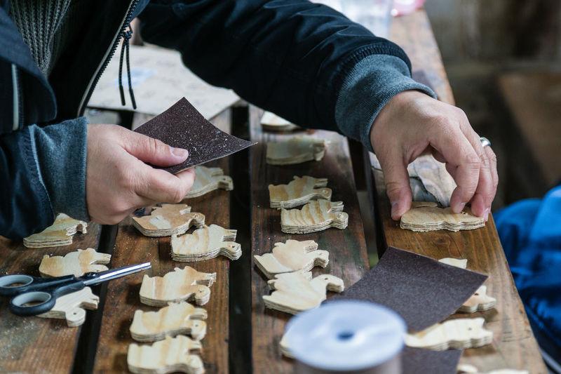 Handwerk Basteln Eichhörnchen Holz Kids Kids Have Fun Working Workshop Wood - Material Work Tool Human Hand Sommerfest