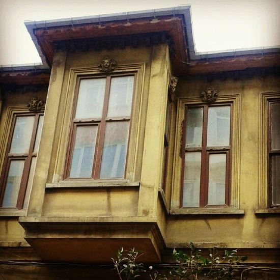 gungortumsa Nisantasi Istanbul Turkey Türkiye Travel Lifestyle Life Street Style Architec Art History Historical Live Love Enjoy Restaurant Buildings Decorate Thebestcountry Thebestcity Insta Instagram Instaturkiye Instabest instareal goodmorning oldbuilding anthic antique