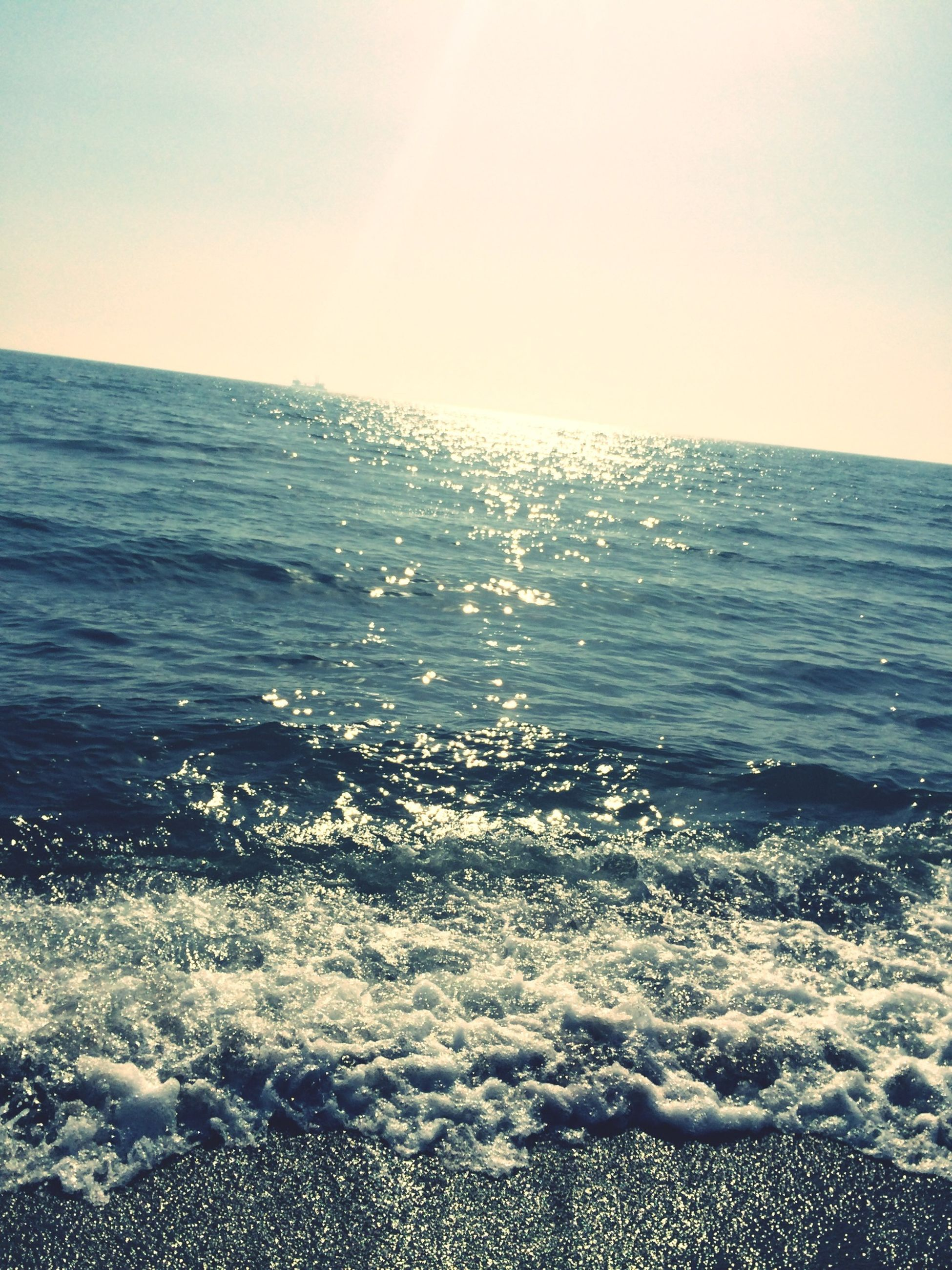 sea, water, horizon over water, scenics, beauty in nature, tranquil scene, wave, beach, tranquility, nature, seascape, sky, clear sky, shore, idyllic, rippled, sun, surf, sunlight, waterfront