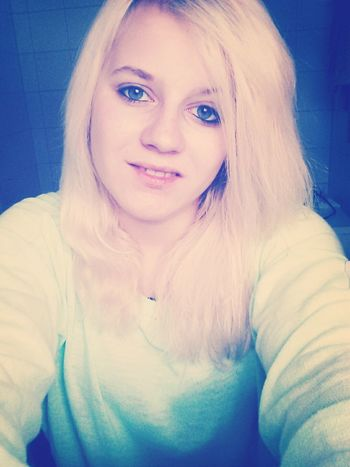 Egal Wie Stark Ein Mädchen Ist, Wenn Sie Verliebt Ist, Ist Sie So Verletzlich Wie Ein Kleines Kind.! ♡ First Eyeem Photo
