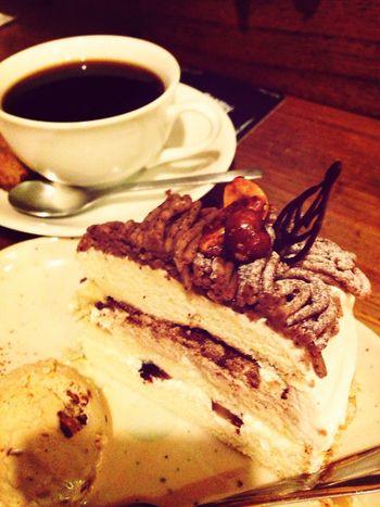 モンブランのショートケーキとマロンアイス。