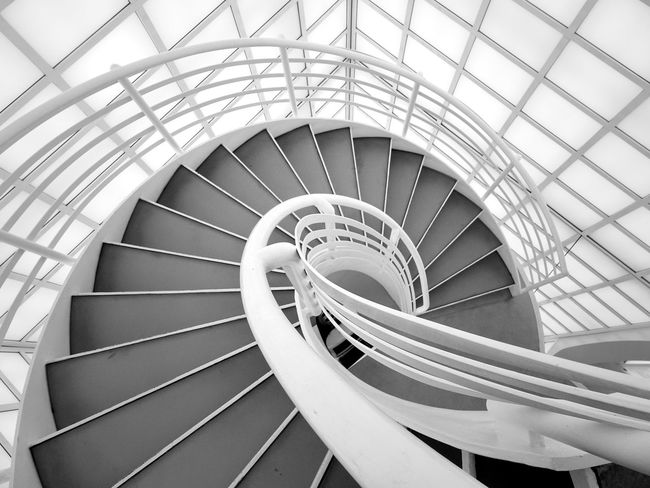 Spiral Steps And Staircases Staircase Railing Steps Spiral Stairs Circle Built Structure Architecture Stairs Indoors  Day No People Spiral Staircase Hand Rail The World Needs More Spiral Staircases Spiral Stairs Best Of Stairways Stairs_collection Spiral Staircase Blackandwhite Black And White Blackandwhite Photography Black And White Photography