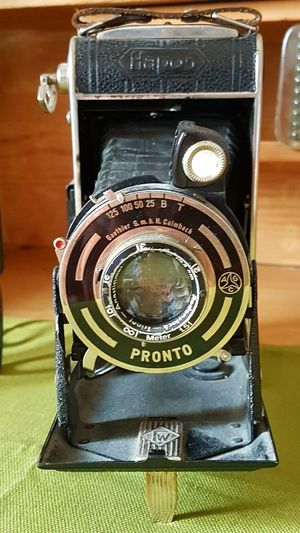 Historic Camera Old-fashioned Indoors  Technology No People Close-up Camera - Photographic Equipment Antique Photography Themes Day Indoorsphotography No People