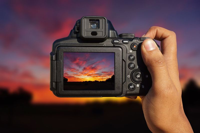 Click click click Landscape Landscape_photography Sony A6000 Nikon Sunrise Sunset Hand Photography Themes Vibrant HDR Click Click 📷📷📷 Photographer Photography Holding Camera Work Camera - Photographic Equipment Camera Yuma Arizona Sunset Outdoors Sky