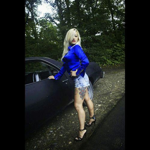 One of my favorite photo shoot last year for SM Clothing. Photoshoot Outdoor Photography Fitgirl INKEDGIRL Blondiegirl Tattoocollector Tattoosmodel Shorty Hightheels Aldoshoes Musclecar Americangirl AmericanMuscleCar Chevroletelcaminoss 1973 70isthebest Runninggirl Fitnessgirl