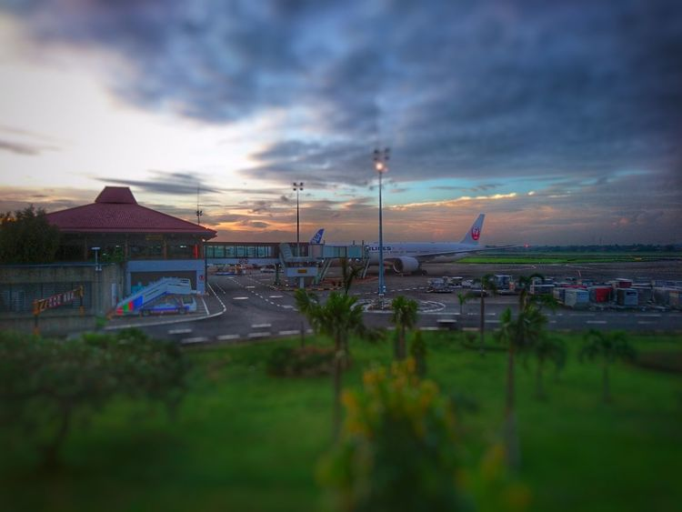 Transit Cloud - Sky Sky Outdoors No People Architecture Airport Airport Waiting Airplane Boarding Gate XPERIA Xperia X Snapseed HRD Effects