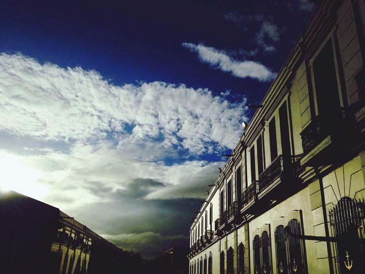 Hermoso amanecer en mexican Navy Museum Veracruz Mañana Clouds And Sky