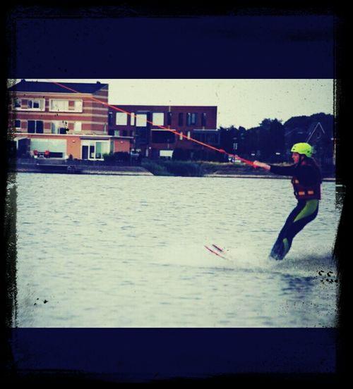 Met Maud en Papa waterskiën bij skeef! was echt super leuk!!!