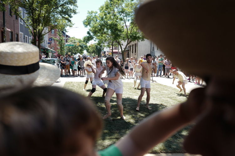 Dance performance on Bedford Avenue for the Northside Festival. June 2016 Northside Festival Northsidefestival Northsideart Bedfordavenue Williamsburg Brooklyn Williamsburg, Brooklyn  NYC Dance Performance Streetphotography Street Photography Streetphoto_color Street Performance Leicaq 28mm Williamsburgwalk Eyeemphoto