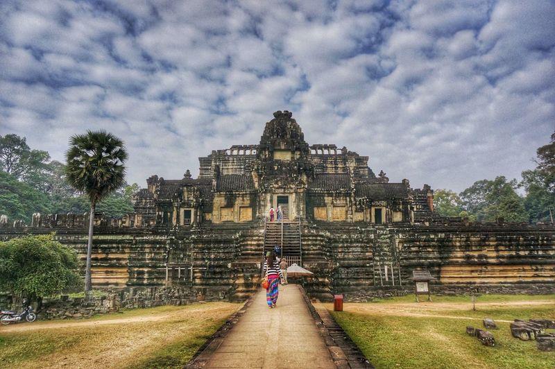 Angkor Wat, Kampuchea First Eyeem Photo Sony NEX Angkor Wat The Great Outdoors - 2015 EyeEm Awards On The Road Photography Taking Photos Great Outdoors Hello World