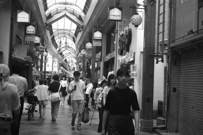 Large Group Of People Walking Real People City Lifestyles People Day City Leica Lens Vintage Lens People Photography Monochrome Black And White Collection  Black&white Epson R-D1 Elmar 3.5cm City Street Street Bw Crowd Kyoto,japan Kyoto City Life Outdoors