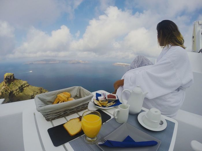 Breakfast with a view ☕️ Food And Drink Breakfast Relaxation Vacations Horizon Over Water The Great Outdoors - 2017 EyeEm Awards Exploremore Coffee Cup Coffee - Drink Tranquil Scene Santorini Greece Travelsolo Outdoors Outsideculture The Photojournalist - 2017 EyeEm Awards The Great Outdoors - 2017 EyeEm Awards Connected By Travel