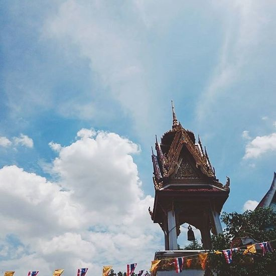 🔔 ⚫ ศู น ย์ ร ว ม . . . . . Journey Traveling Traveler Travel VSCO Vscocam Feel Feelgood Thailand Buddha Happy Simple Art Temple Pleaceful Sky Clound Minimalist Minimalstyle Minimal MinimalPhotography