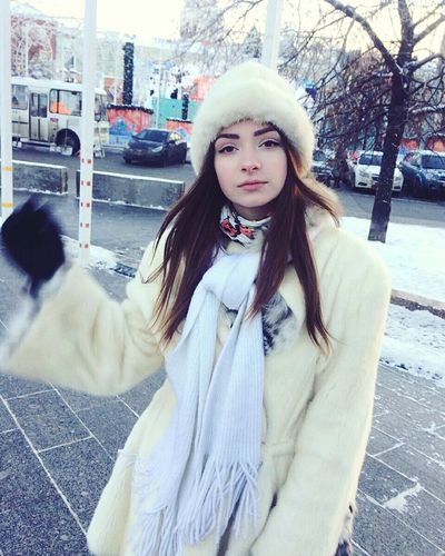 Winter Warm Clothing Young Women Beautiful Woman Snowing Snow SexyGirl.♥ Sexyme Sexygirls Sexygirl Sweet Girl Moskow City Women One Young Woman Only Lifestyles Relaxation Sweet Human Eye Sexyselfie Portrait Looking At Camera Real People Beauty Serene People Young Adult