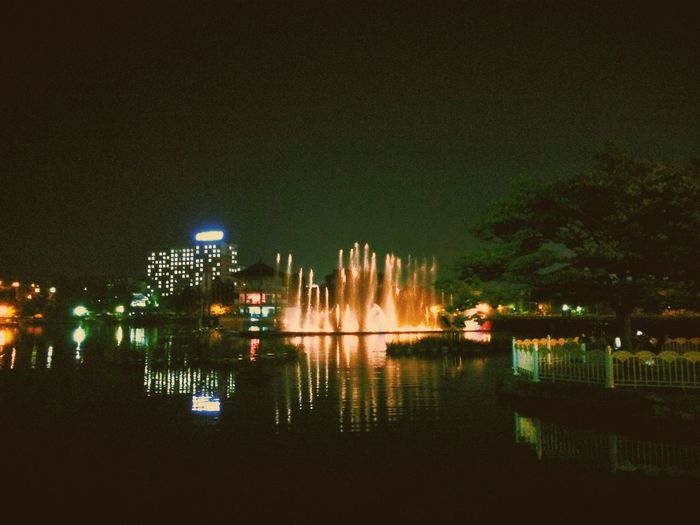 오랜만에 만난 덕진공원 음악분수musical fountain in the lake park at night Night Park Night View Water Fountain