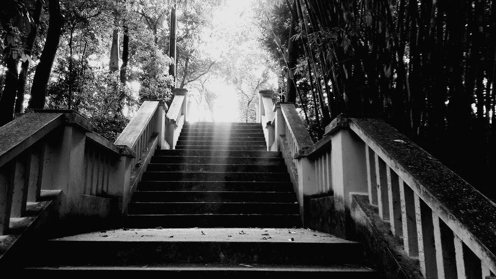 O céu é o limite. Céu Escada Black & White Piracicaba Photography Dreams Brazil Fotografia Sonhar