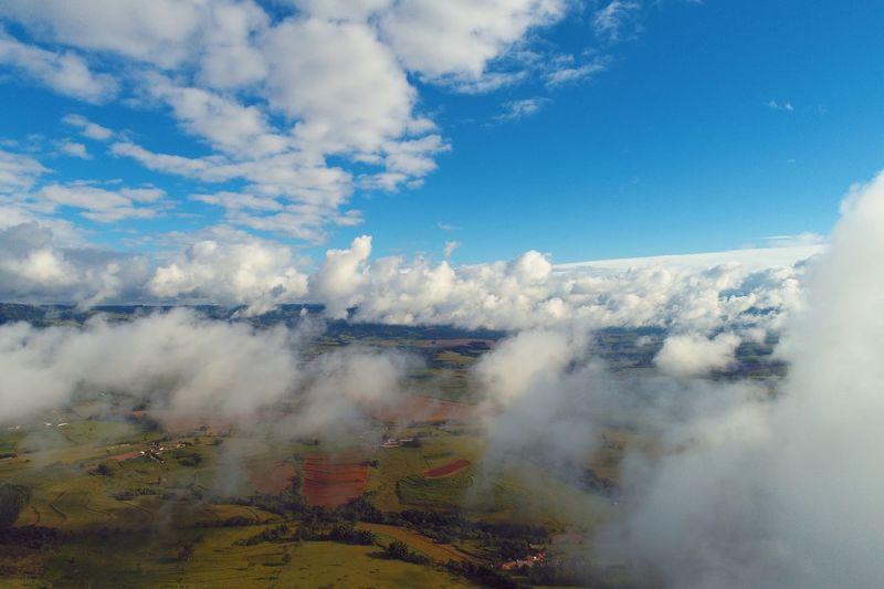 Vôo em nuvens em São Benedito das Areias, Mococa, São Paulo, Brazil Drone  Rural Dronephotography Aerial View Aerial Photography Clouds And Sky Clouds Sun Aerial Shot Sky And Clouds Cloud Cloud - Sky Scenics Outdoors Sky Day Nature Landscape Mountain Tree Beauty In Nature Mountain Range Rural Scene