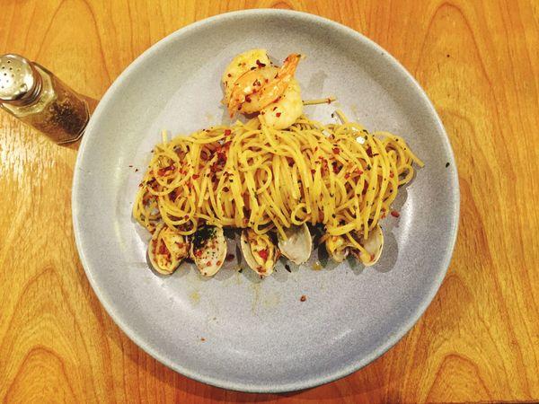 Seafoods Aglio Olio Spicy Noodles Pasta