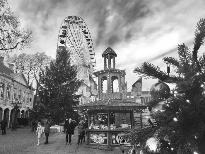 Tree Architecture Built Structure Building Exterior Sky Outdoors Leisure Activity Christmas City Ferris Wheel Day Christmas Tree No People Black And White Blackandwhitephotography Maastricht Happy Holidays! Maastricht,NL Vrijthof Square Vrijthof Magisch Maastricht The City Light