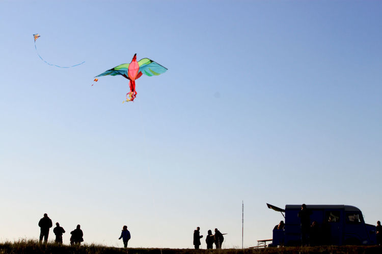 Teufelsberg, Berlin Sky Clear Sky Nature Flying Copy Space Leisure Activity Mid-air Group Of People Low Angle View Day Real People People Men Outdoors Motion Kite - Toy Lifestyles Blue Land Teufelsberg Playing Meeting Fun Streetphotography Street Photography