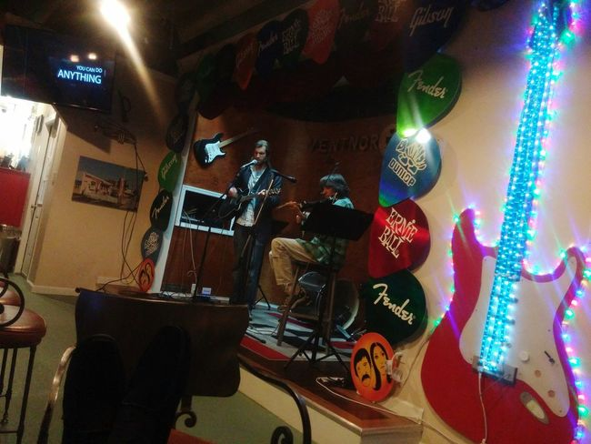 An open mic delight. Openmic Live Music Check This Out