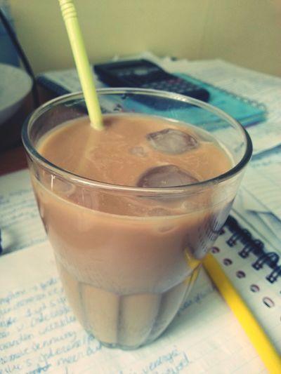 lekker ijskoffie bij het studeren