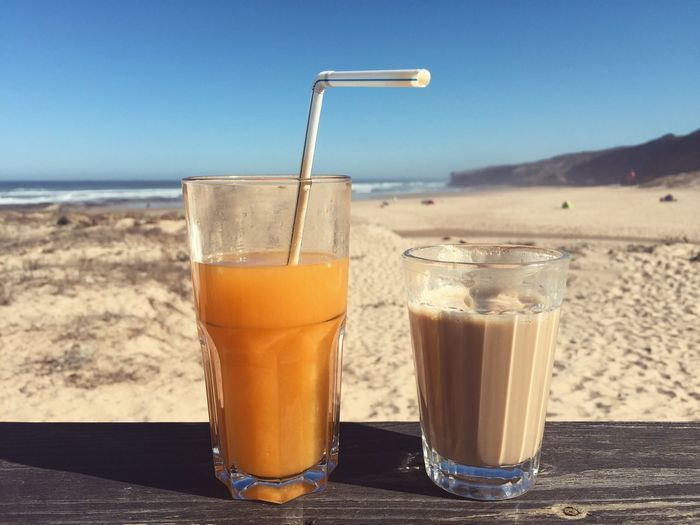 Breakfast Frühstück Coffee Beach Juice Blue Sky Orange Sand
