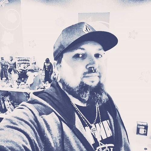Selfietuesday Selfies Selfie Menwithbeards Menswear Menwithbeard Beardgang Beardedman Pierced Piercedmen Starwars Assassinscreed Volcom Volcomstone Darthvader Hulk Xwing Xwingfighter Septum Septumpiercing  Tunnel Tunnels Plugs Beards Beardsofinstagram noshavelife captainamerica blackberry