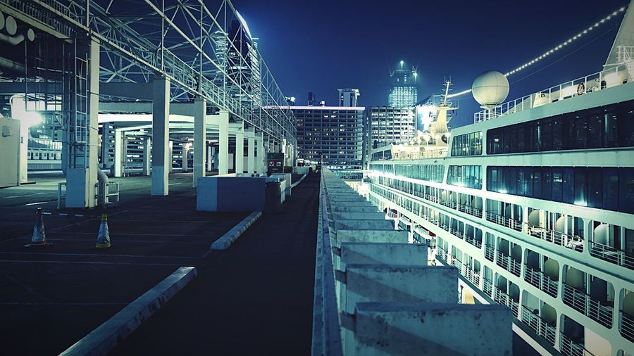 notitle HongKong Discoverhongkong Leicaq Hkiger Nightphotography Streetphotography 香港 夜景