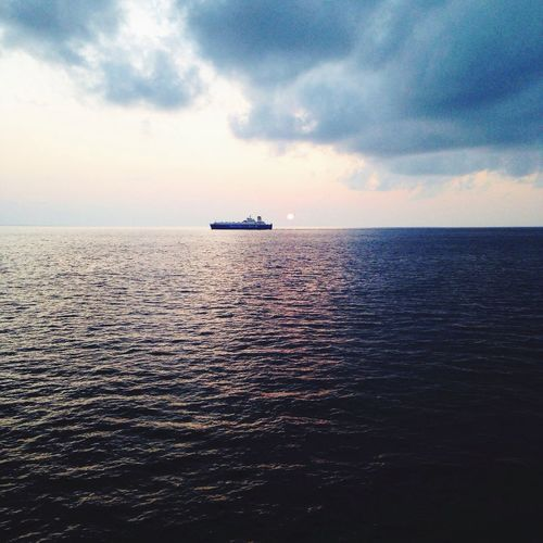 On Sail Ship Travel Alone Simple Afloat Sea Ocean Sun Horizon Over Water
