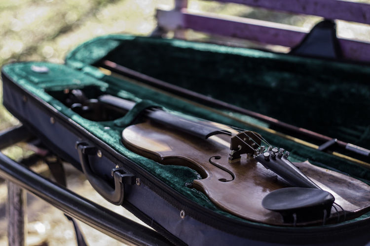 hear me now #violin #MusicianLife Musical Instrument Arts Culture And Entertainment Music Close-up The Still Life Photographer - 2018 EyeEm Awards