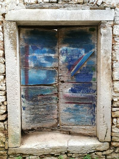 Built Structure Building Exterior Architecture No People Outdoors Window Day Bad Condition Close-up Weathered Stone Material Stone Wall Wood - MaterialStone Houses  Entrance Old Buildings Old House Doors Doorporn Istria Istra Istria Bale Valle Croatia ❤ Abandoned Places Pattern
