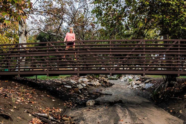 Tree Outdoors Escondido, Ca Fitness Model Kit Carson Park Only Women Beautiful Woman Young Women Dyed Hair Female Model Tiina Escondido California Bridge