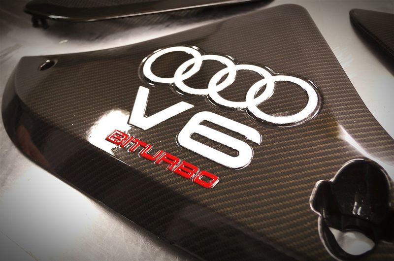 gold hydrographic carbon fiber on Audi biturbo engine cover Hydrodecor Hydrografika Siedlce Audi Audi A4 Audi A6 Audilove Hydrografika Polska