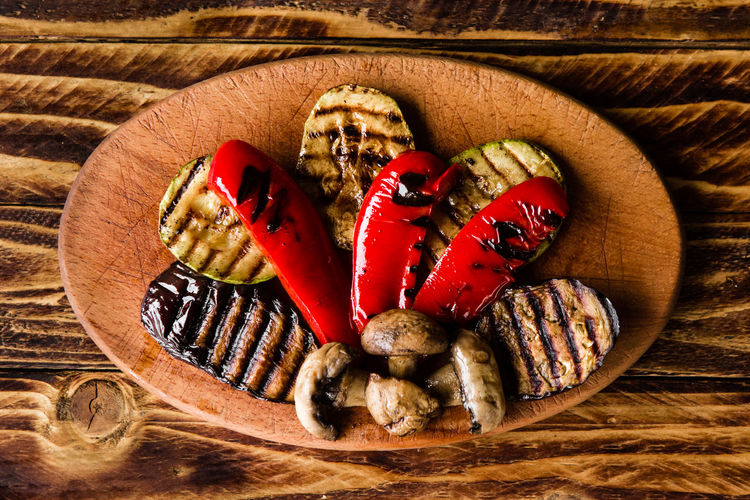 Chili Pepper Close-up Directly Above Food Food And Drink Freshness Fruit Healthy Eating Indoors  Ingredient No People Pepper Red Spice Still Life Tomato Vegetable Wellbeing Wood Wood - Material