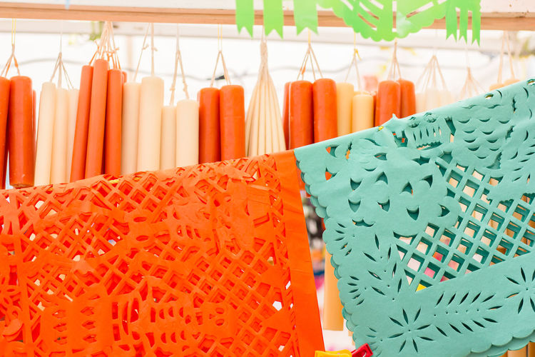 Vela Velas Cera Papel Picado Color Contraste Choice Indoors  Multi Colored Variation No People Retail  Large Group Of Objects Still Life For Sale Focus On Foreground In A Row Side By Side Arrangement Shopping Close-up Orange Color Store Food And Drink Pattern Green Color Sale Temptation