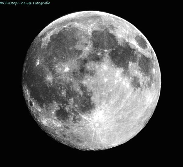 Moon 18.07.2016 23:30 H Moonlight Moon Astrophotography