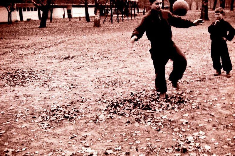 Old First Eyeem Photo Traveling Time Beautiful Nice Throwback Followforfollow Follow4follow Followme Follow Likeforlike Like4like Oldschool Like Children Chilling Car Memories Girl Photographic Memory Photography Photo Photooftheday Photographer