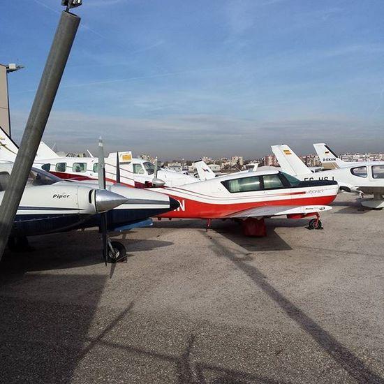 Avionetas Desde Suelo En Aeródromo De 4vientos Samuelada