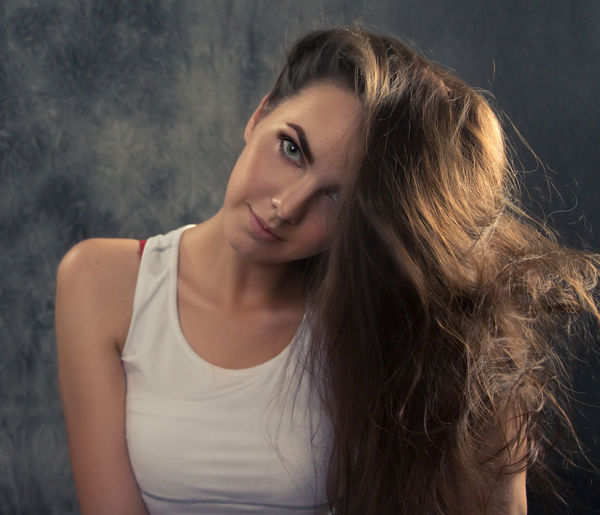 Adult Beautiful Woman Beauty Brown Hair Fashion Front View Hair Hairstyle Headshot Human Hair Long Hair Looking At Camera One Person Portrait Smiling Women Young Adult Young Women