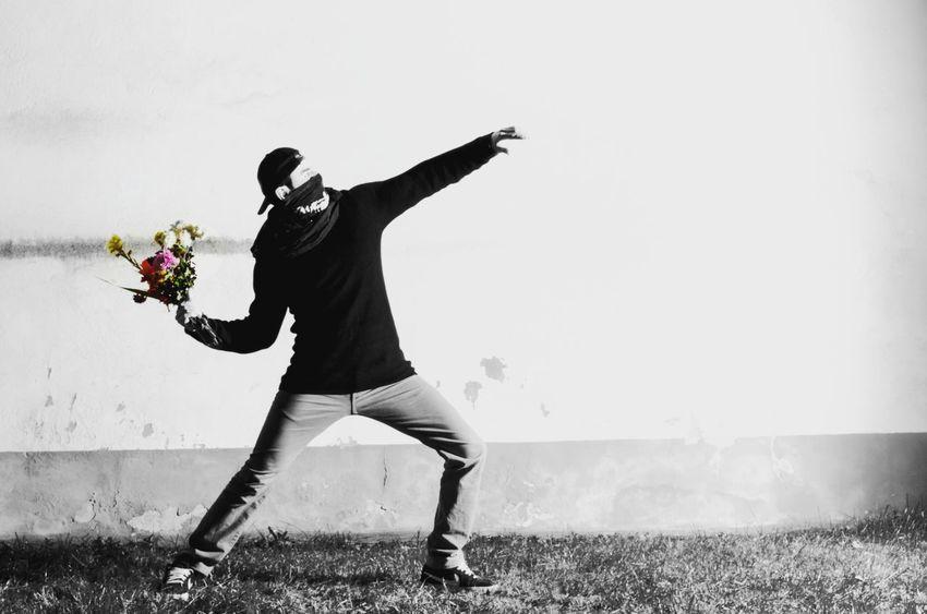 Banksy Imitation Banksy Imitation Play Photooftheday Picoftheday Photography Photographer Photographic Memory Instagood Instapic Instaphoto Instalike Followme Follow4follow Followback Spring Flowers Make Love Not War Global Photographers Alliance Globaldaily HASHTAG 2016 First Eyeem Photo