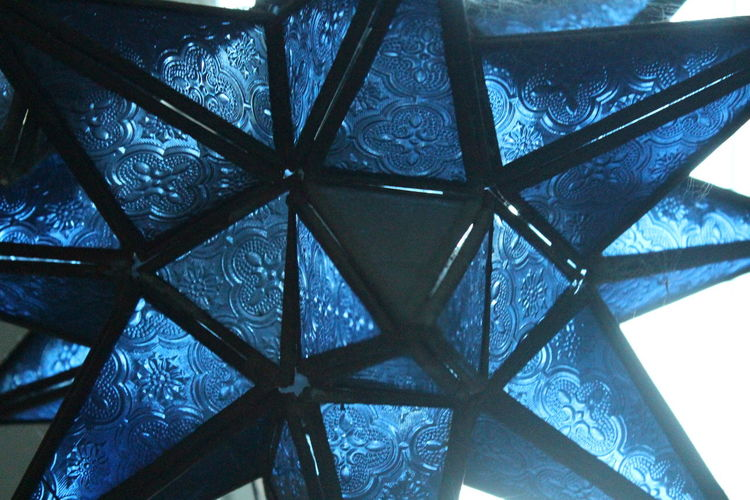Architecture Arizona Blue City City Glow City Life Close-up Cultures Day Detailed Glass Distinct Black Embroidered Glass Glow In The Dark Highlight Indoors  Landscape Low Angle View No People Opaque Pattern Patterned Texture Reflective Light Shades Spiky Shape Varies