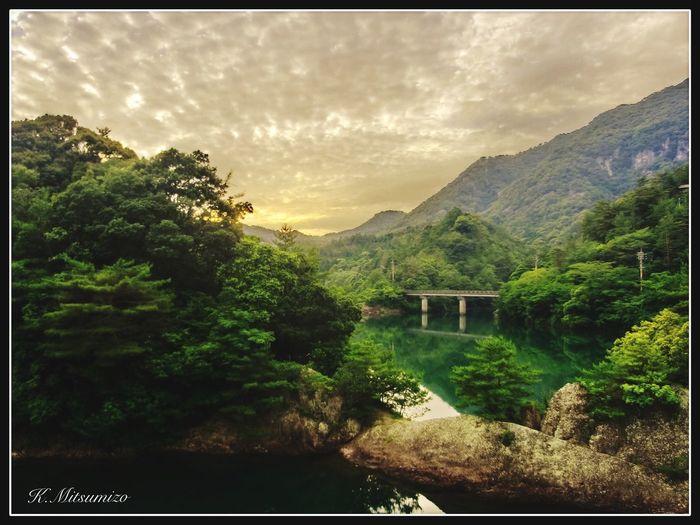 伊万里ー竜門ダムー有田ダムー伊万里、1周およそ35キロ 僕の1番好きなサイクリングコースです。写真は有田ダム Enjoying Life Arita 有田 Landscape Nature Photography Tadaa Community 黒髪山