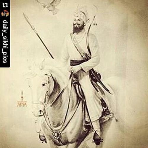 Repost @daily_sikhi_pics with @repostapp ・・・ Dhan dhan sri guru gobind singh ji, our true father. Remember to keep your kesh because guru ji told us that we should stand out. Why? Because we are the KHALSA, and we are here to protect our brothers and sisters from injustice but how will they find us? Because guru ji gave us a look to stand out so that people know they are safe when we are there. Many will tell us that keeping our kesh is dirty and wrong but just remember that it was waheguru who gave you this kesh and therefore it is pure so just ignore these people. There are also those who tell us we aren't sikhs but we are just like muslims or hindus or christians. They say this because our sikhi is the ultimate truth and it is like the centre of all religions, for a sikh there are many elements of truth across other faiths such as islam and that is why we include the writings of muslim saints in guru granth sahib ji and that is why we may have a lot of respect other religions but for us, sikhi is the truth and sikhi is the way. At the end of the day the gurus message is this: where there is truth, follow it. If you see the truth in islam, then follow islam, be a good muslim, same for sikhi and christianity, if you see somewhere where you know there is false practices such as idolship, then guide those people onto the right path but remember to always follow the truth and never leave the truth. Sikhi Waheguru Dailysikhipics Gurugobindsinghjimaharaj