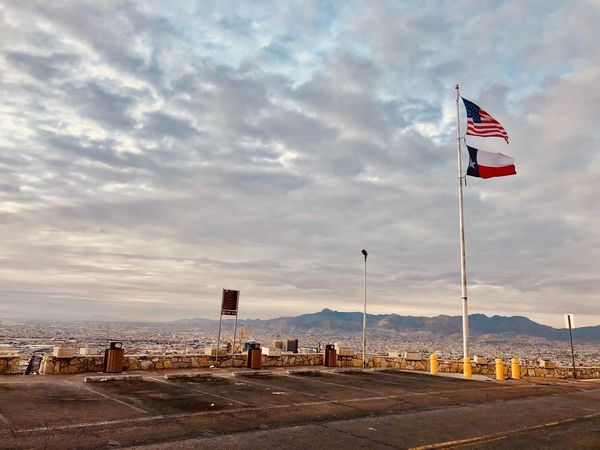 El Paso, Texas🇨🇱 Flag Sky Cloud - Sky Patriotism Outdoors Day No People Nature Beauty In Nature