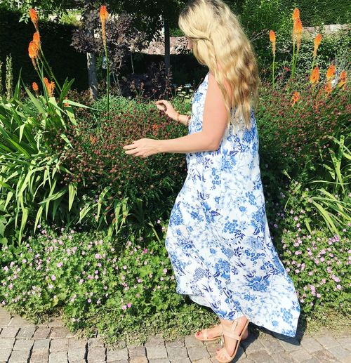 One Person Nature Flowers Flowerlovers Blond Hair Summerdress Fashion&love&beauty Beauty In Nature